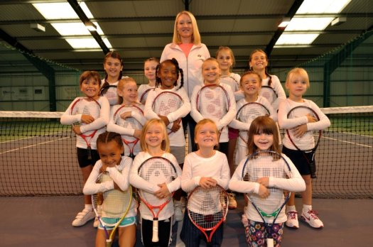 Bally-with-girls-from-the-Elena-Baltacha-Academy-of-Tennis2